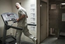 Πώς ένας φυλακισμένος έτρεξε τον Μαραθώνιο της Βοστόνης πάνω σ' ένα διάδρομο