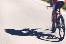 Μελέτη: Η μείωση των προπονητικών φορτίων και διαιτητικών υδατανθράκων βοηθά στην αποκατάσταση της υγείας και στη βελτίωση των επιδόσεων ενός αθλητή