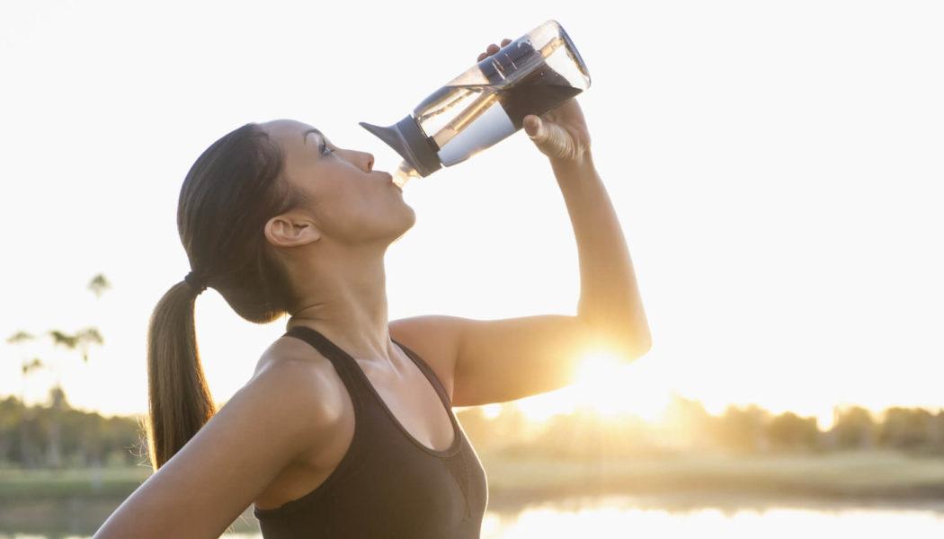 Υπονατριαιμία: ο κίνδυνος από την υπερβολική κατανάλωση νερού