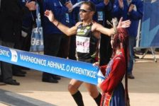 Οι λίστες με τους καλύτερους Ελληνες και Ελληνίδες της χρονιάς στο μαραθώνιο