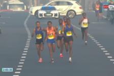 Εκπληκτικός αγώνας στον Dubai Marathon!