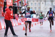 Ο βασιλιάς έπεσε από τον θρόνο του! Ο Kitata νικητής του London Marathon 2020.